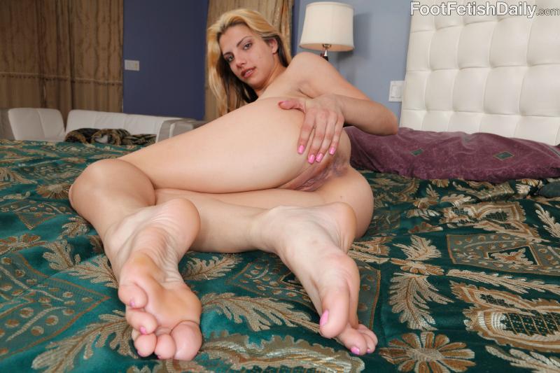 carmen kinsley foot fetish