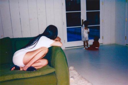 """""""Не прибедняйтесь"""": в сети раскритиковали фото Ким Кардашьян и Канье Уэста"""