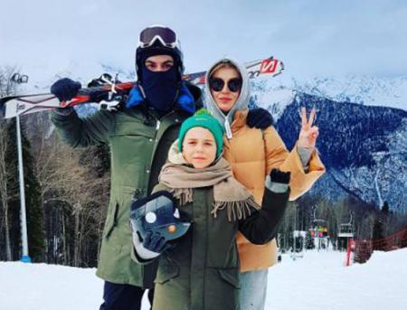 Полина Гагарина с семьей на Роза Хутор
