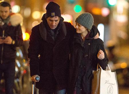 Ванесса Паради и ее бойфренд Самюэль Беншетри устроили романтическое свидание в Париже