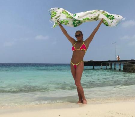 Анастасия Волочкова на пляже