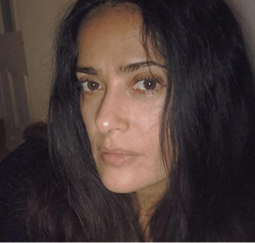 Сальма Хайек удивила поклонников селфи без макияжа