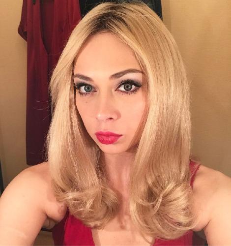 «Подмышки жесть»: Настасья Самбурская в образе блондинки развеселила поклонников