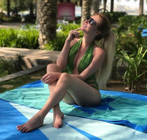 «Ох и ах»: Дарья Пынзарь показала шикарную грудь в купальнике