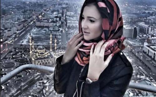 Ольга Бузова отрывалась в Москве на горячей вечеринке в компании кавказских мужчин