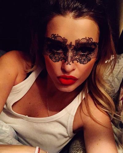 «Терпила»: Лена Миро оскорбила Ксению Бородину в своем блоге и «прошлась» по ее мужикам