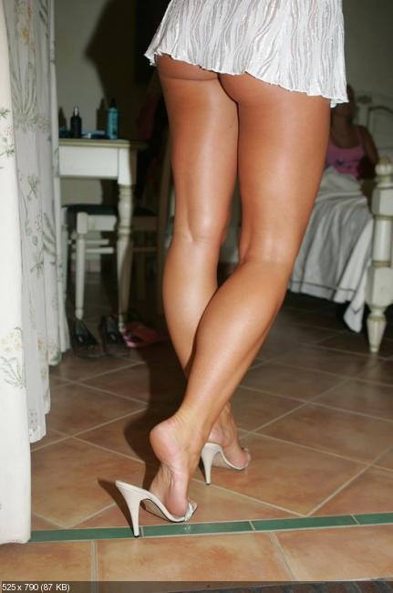 Голые ноги с юбкой считаю