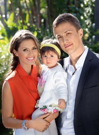 Виктория Боня и Алекс Смерфит с дочерью