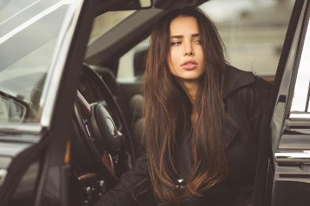 Анастасия Решетова рассказала, кто подарил ей новый Mercedes!