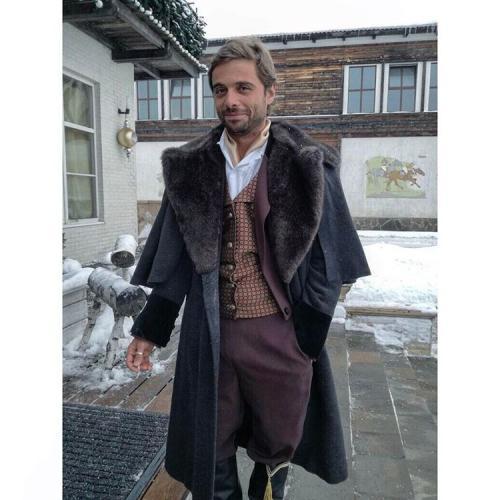 «Холостяк» Илья Глинников готовит для мамы дорогой подарок