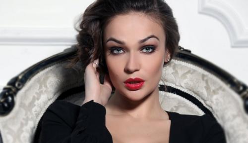 Алена Водонаева оголилась перед камерами