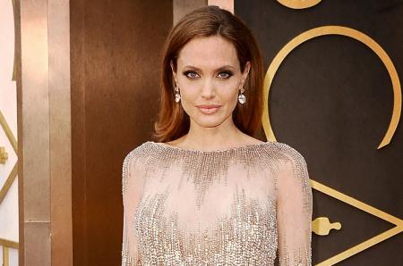 Анджелина Джоли впервые прокомментировала развод с Брэдом Питтом: