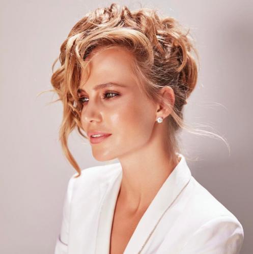 Наталья Ионова «завернулась в штору» ради моды
