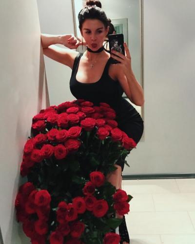 Таинственный возлюбленный подарил Седоковой роскошный букет роз