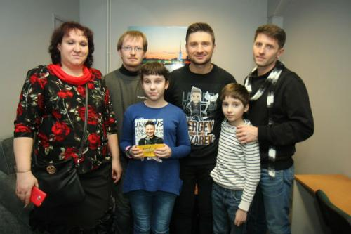Родители очень благодарны Лазареву за то, что он посодействовал в лечении детей