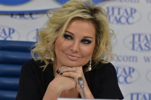 Перед отъездом на Украину Мария Максакова сняла клип в стиле «ВИА Гры»