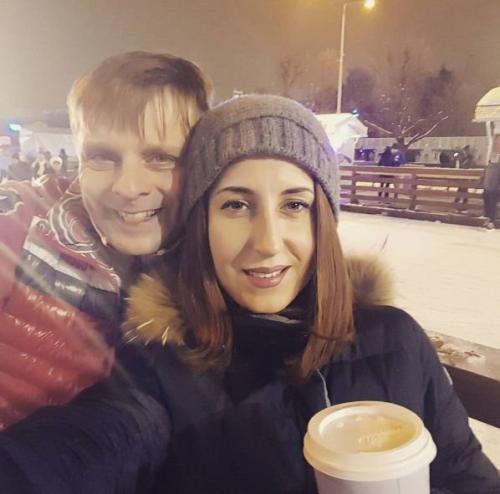 Женатого Александра Носика поймали на ужине с экс-солисткой «Тутси»
