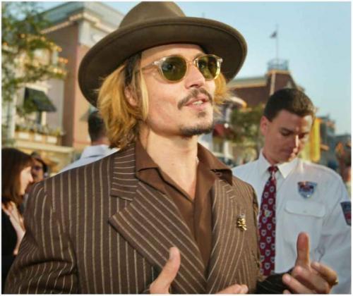 Джонни Депп покидает США ради новой 23-летней пассии