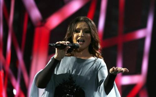 София Ротару упала на сцене во время выступления в Киеве