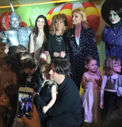 Кристина Орбакайте собрала звездных друзей на дне рождения дочери
