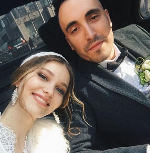 """Клавишник группы """"Марсель"""" женился на модели по ведическим канонам"""