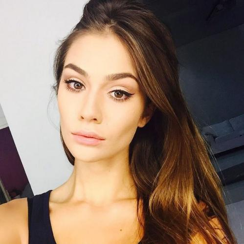 Настасья Шубская призналась в любви Александру Овечкину при помощи песни