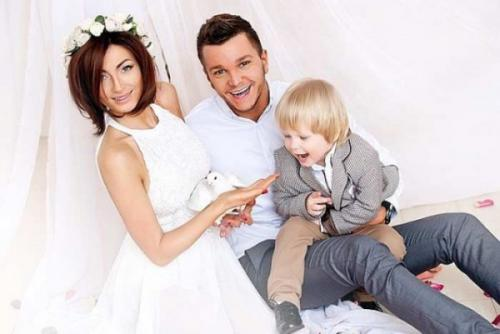 «Дом-2»: Экс-супруга Антона Гусева подала на алименты