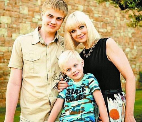 Певица Натали опубликовала фото с сыновьями