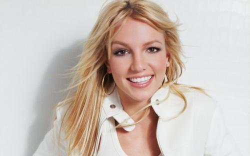 Бритни Спирс опровергла слухи о беременности фотографией в купальнике