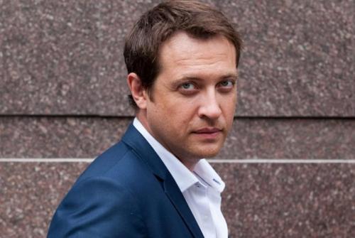 Российскому актеру Кириллу Сафонову запретили въезд в Украину