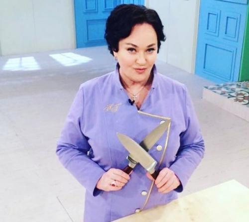 Лариса Гузеева свела бывшего и нынешнего мужей на кухне