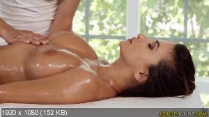 Alyssia Kent - King's Spa Alyssia [1080p]