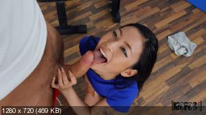 Rae Lil Black - Tiny Rae Fucks Her Trainer [720p]